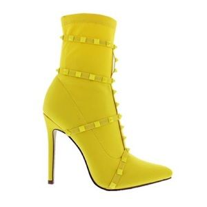 Liliana Donna Heels In Bright Yellow